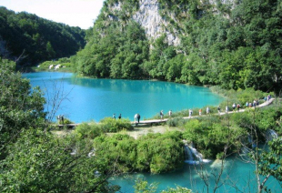 NATIONAL PARK PLITVICE LAKES - SURROUNDED BY BEAUTY_1