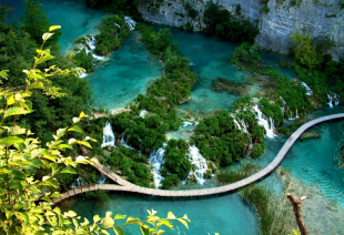 NATIONAL PARK PLITVICE LAKES – SURROUNDED BY BEAUTY_1
